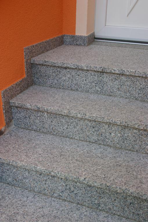 Ein Treppenaufgang von Fachleuten gefertigt